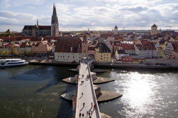 Steinerne Brücke und Altstadt Regensburg